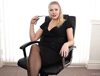 Appetizing gal Brooke Perry needs to be secretary with the company