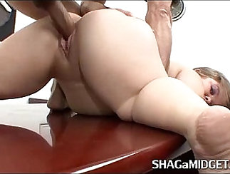 babe is getting fucked in the office for some money