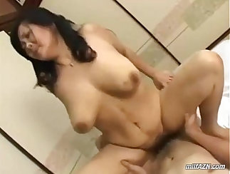 British bbbw mature gets fucked hard by young fellow then drags him on her pussy