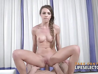 Cute Amateur POV Fuckting On Couch